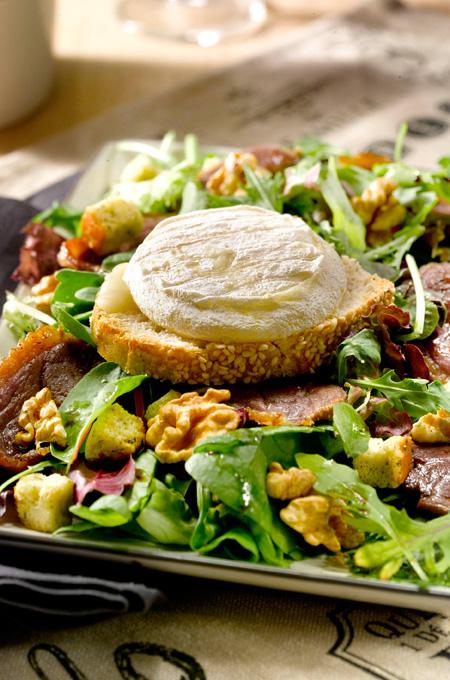 Salade de magret au cabécou
